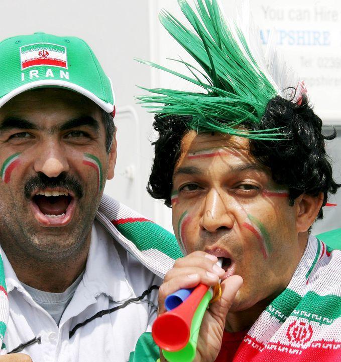 Die irrsten Iran-Fans - Bildquelle: dpa