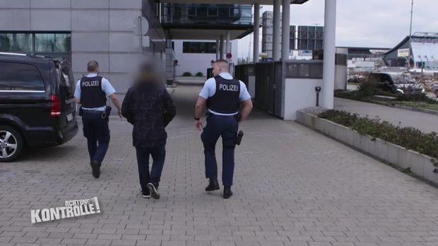 Achtung Kontrolle - Achtung Kontrolle! - Thema U.a: Illegaler Passagier Am Flughafen Stuttgart?