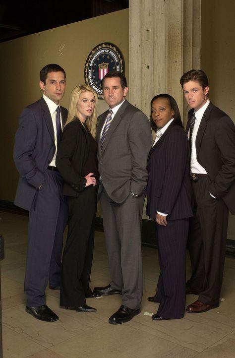 (2. Staffel) - Die Spezialeinheit des FBI für vermisste Personen besteht aus Detective Jack Malone (Anthony LaPaglia, M.), Samantha Spades (Poppy Mo... - Bildquelle: Warner Bros. Entertainment Inc.