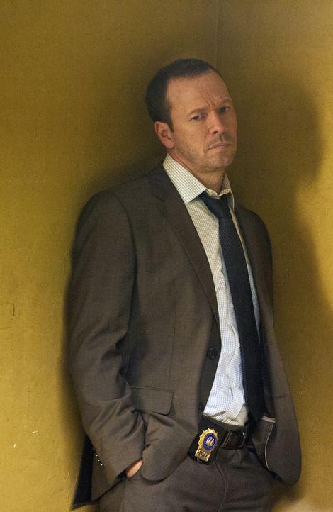 Trotz der Einwände seiner Schwester Erin kann sich Danny (Donnie Wahlberg) einfach nicht zurückhalten: Er muss den Komplizen der Brautmörder mitverh... - Bildquelle: Jojo Whilden 2012 CBS Broadcasting Inc. All Rights Reserved.