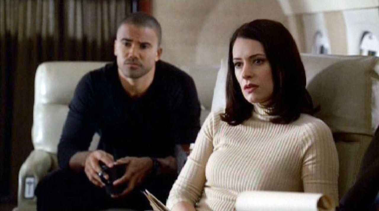Das BAU-Team mit  Special Agent Derek Morgan (Shemar Moore, l.) und Emily Prentiss (Paget Brewster, r.) begibt sich diesmal zu einem Tatort in der N... - Bildquelle: Touchstone Television