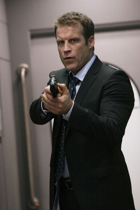 Ein einzigartiger Bodyguard: Christopher Chance (Mark Valley) ... - Bildquelle: Warner Bros.