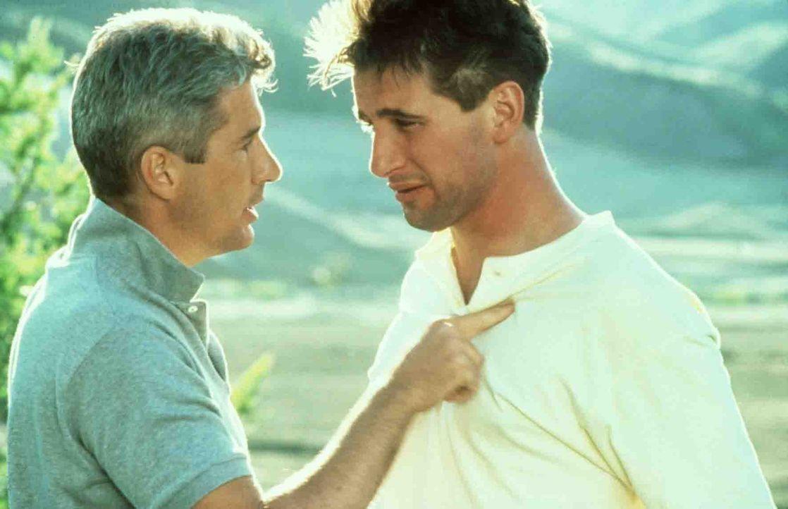 Detective Dennis Peck (Richard Gere, l.) hat kein Mitleid mit seinem jungen Kollegen Van Stretch (William Baldwin, r.) ... - Bildquelle: Paramount Pictures