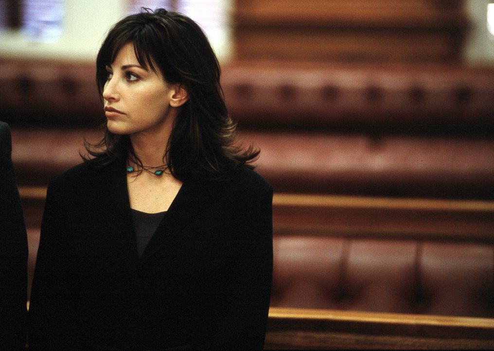 Dr. Lila Colleti (Gina Gershon) ist Psychotherapeutin in einem Hochsicherheitsgefängnis mit psychisch gestörten Kriminellen; ein aufreibender Job.... - Bildquelle: ApolloMedia