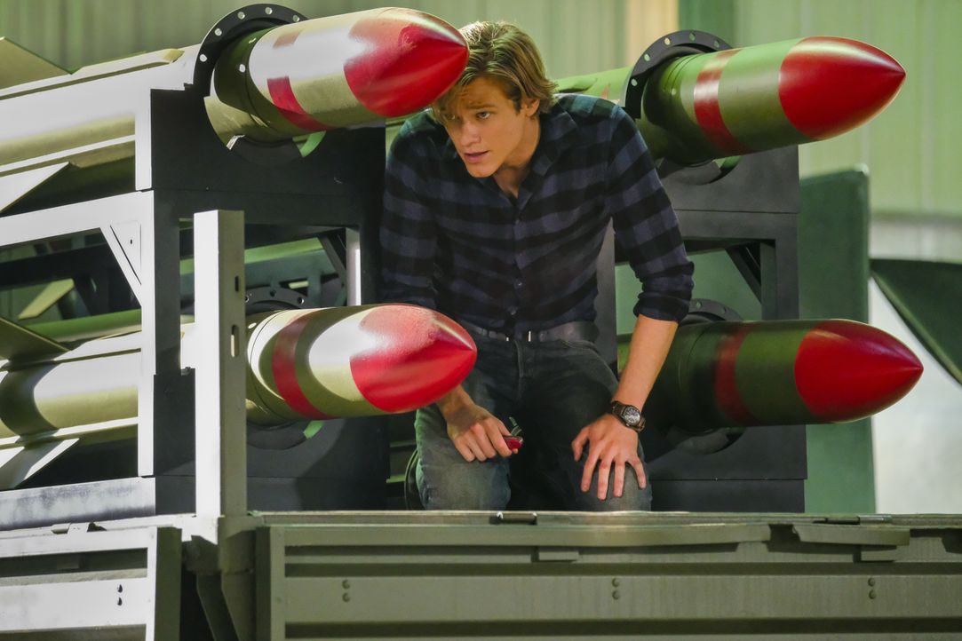 MacGyver (Lucas Till) - Bildquelle: Guy D'Alema 2018 CBS Broadcasting, Inc. All Rights Reserved / Guy D'Alema