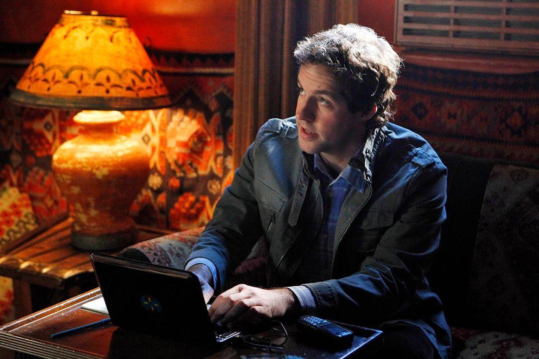 Callen fliegt in den Jemen, um auf Sam aufzupassen. Zu seiner Überraschung stößt er im Hotel auf Nate (Peter Cambor), der von Hetty ebenfalls zu ein... - Bildquelle: CBS Studios Inc. All Rights Reserved.