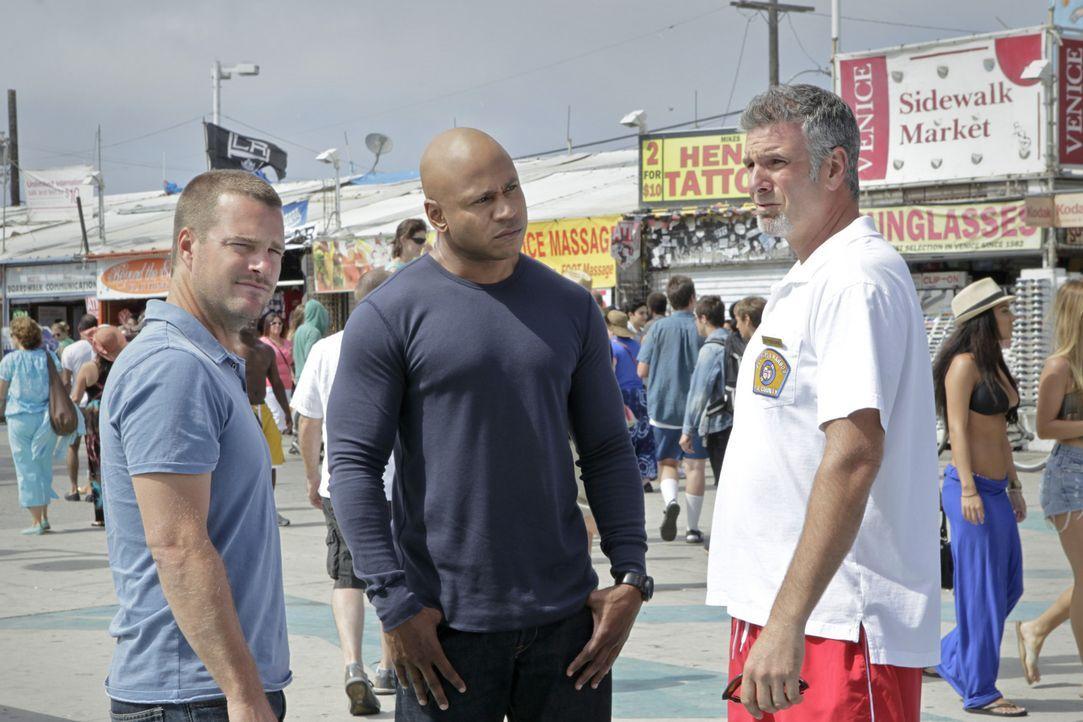 Versuchen, einen neuen Fall zu lösen: Callen (Chris O'Donnell, l.) und Sam (LL Cool J, M.) ... - Bildquelle: CBS Studios Inc. All Rights Reserved.