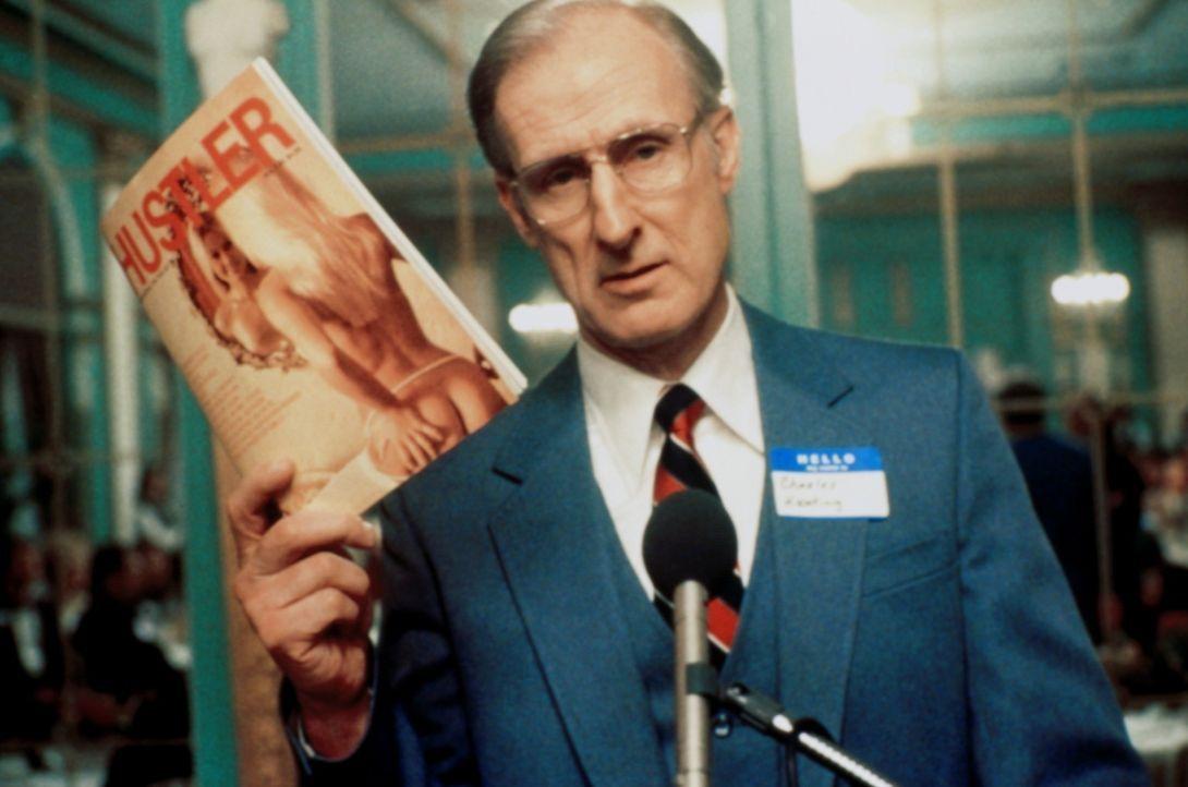 Führt einen erbitterten Feldzug gegen den Porno-Verleger Larry Flynt: der puritanische Finanzmakler Charles Keating (James Cromwell) ... - Bildquelle: Columbia Pictures
