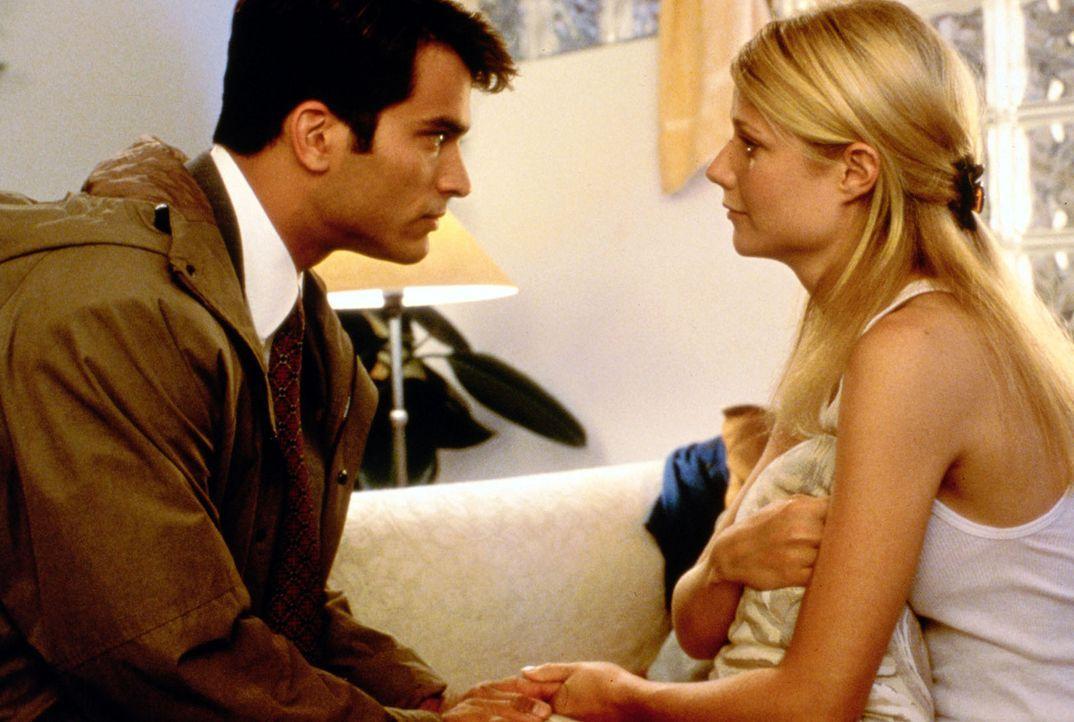 Jackson (Jonathan Schaech, l.) überredet seine Frau Helen (Gwyneth Paltrow, r.), mit ihm auf der Farm seiner Mutter zu leben - was in einem Unheil... - Bildquelle: Sony Pictures Entertainment