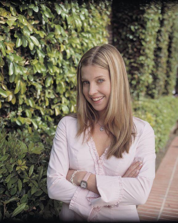 Schon bald muss Jungstudentin Bess (Jill Ritchie) in einem Verbrechen ermitteln ... - Bildquelle: Buena Vista Television