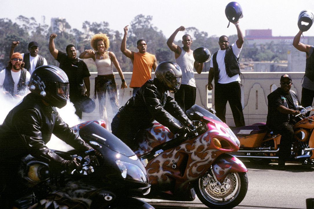 Manuel Galloway ist der Vorsitzende eines Motorradvereins, der ausschließlich farbige Geschäftsleute aufnimmt, die jedes Wochenende in Lack und Le... - Bildquelle: DreamWorks SKG