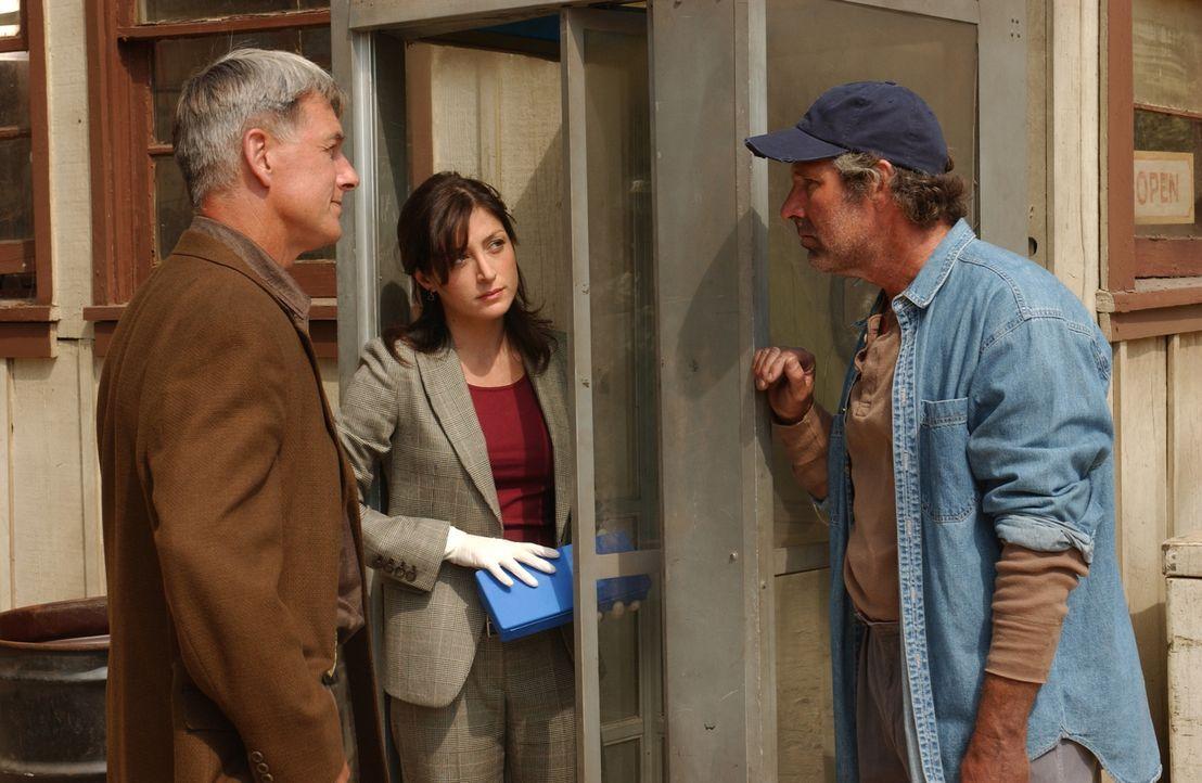 Wird Ritt Everett (Timothy Bottoms, r.) Gibbs (Mark Harmon, l.) und Kate (Sasha Alexander, M.) helfen können? - Bildquelle: CBS Television