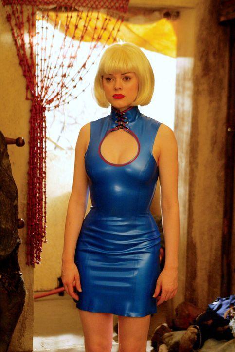 Paige (Rose McGowan) entschließt, alle auf Dämonenjagd zu gehen ... - Bildquelle: Paramount International Television