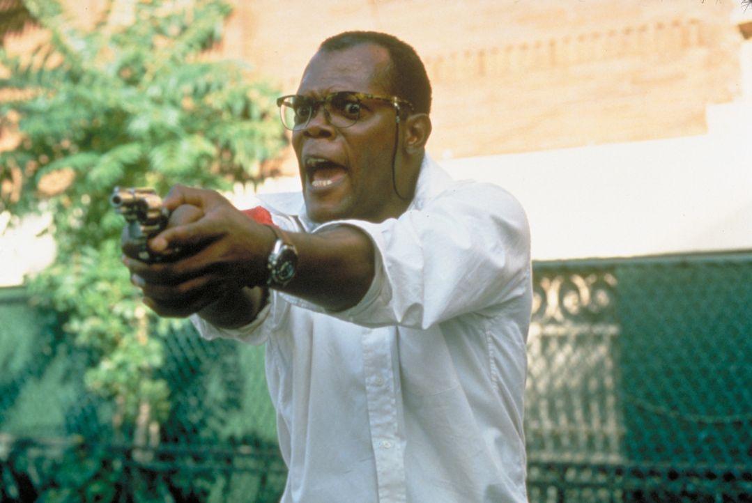 Zeus (Samuel L. Jackson) hilft McClane den Terroristen Simon zu stoppen, doch wird es ihnen gelingen? - Bildquelle: Buena Vista Home Entertainment © 1995 Cinergi Pictures Entertainment Inc. Cinergi Productions N.V. Inc. and Twentieth Century Fox Film Corporation
