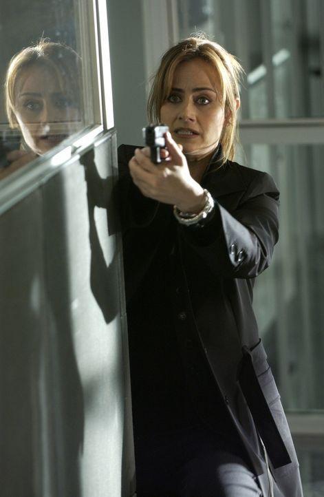 Versucht den Täter zu stoppen: Megan Reeves (Diane Farr) ... - Bildquelle: Paramount Network Television