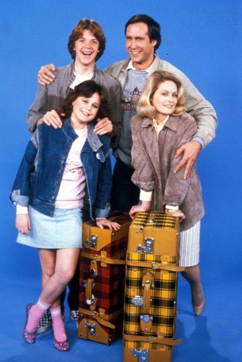 Rusty (Jason Lively, hinten l.); Clark (Chevy Chase, hinten r.); Audrey (Dana Hill, vorne l.); Ellen (Beverly D'Angelo, vorne r.) - Bildquelle: Warner Bros.