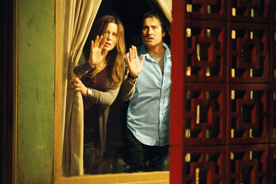 Der psychopathische Inhaber eines Motels hat das bei ihm übernachtende Pärchen (v.l.n.r.: Kate Beckinsale, Luke Wilson) als die nächsten Hauptdarste... - Bildquelle: 2007 CPT Holdings, Inc. All Rights Reserved. (Sony Pictures Television International)
