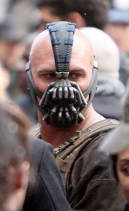 Batman-The-Dark-Knight-Rises-Tom-Hardy-Mr-Blue-WENN-com - Bildquelle: Mr Blue/WENN.com