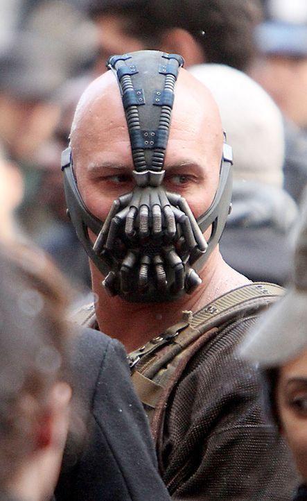 Batman-The-Dark-Knight-Rises-Tom-Hardy-Mr-Blue-WENN-com - Bildquelle: Mr Blue/WENN.com