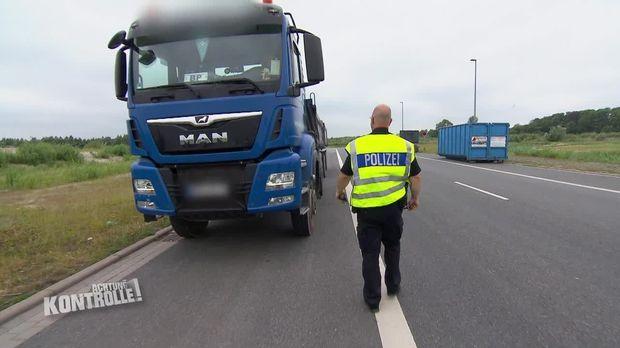 Achtung Kontrolle - Achtung Kontrolle! - Thema U.a. Loch Im Reifen - Verkehrspolizei Bremerhaven