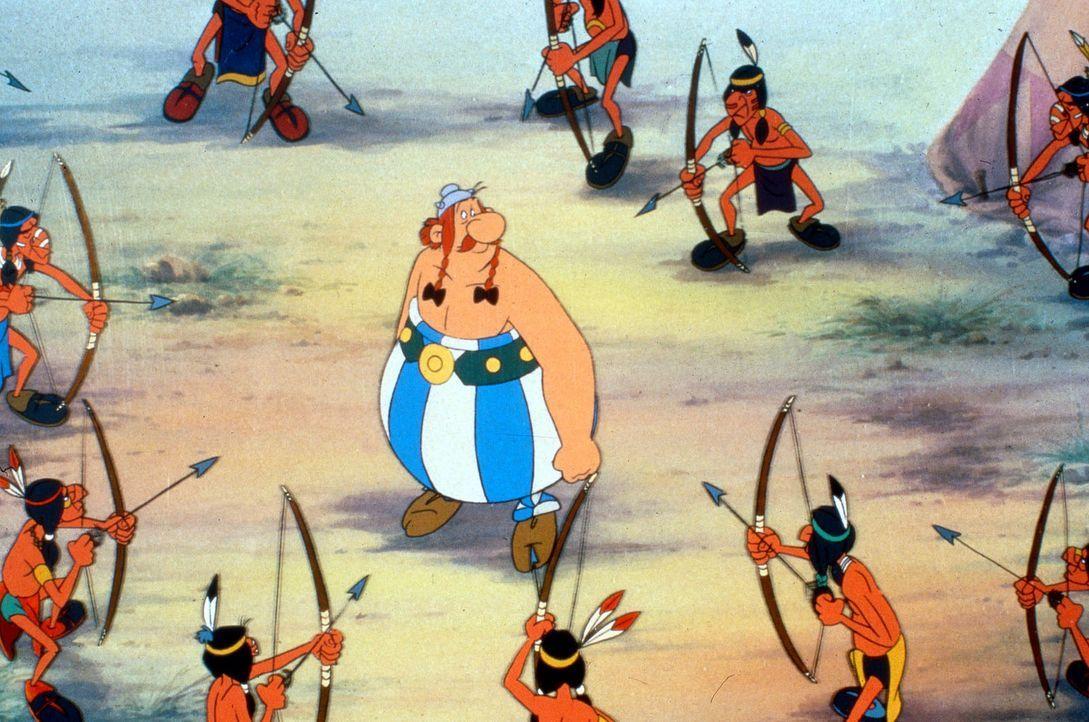Die Römer haben auf Cäsars Befehl den Druiden Miraculix entführt. Er soll am Ende der Welt über den Rand der Erdscheibe gestoßen werden. Als As... - Bildquelle: Jugendfilm-Verleih GmbH