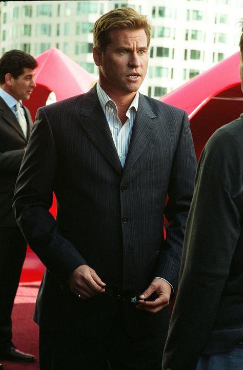 Der ruppige Privatschnüffler Perry van Shrike (Val Kilmer) ist skrupellos, gnadenlos tough und schwul - eine gefährliche Kombination ... - Bildquelle: 2015 © Warner Brothers