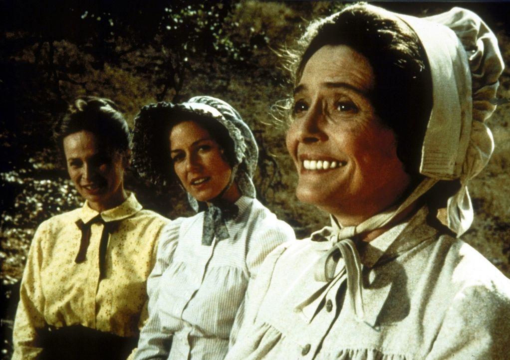 (v.l.n.r.) Grace (Bonnie Bartlett) und Caroline (Karen Grassle) staunen über Julias (Patricia Neal) Lebensmut. - Bildquelle: Worldvision