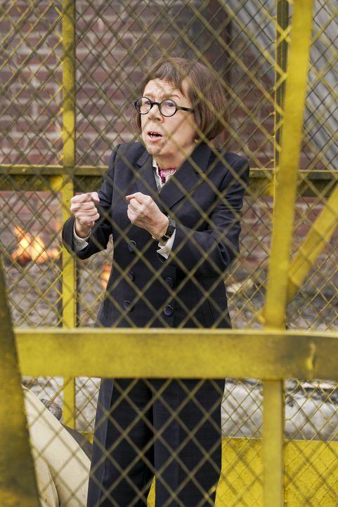 Begibt sich auf eine eigene Mission und gerät dabei in große Gefahr: Hetty (Linda Hunt) ... - Bildquelle: Monty Brinton 2016 CBS Broadcasting, Inc. All Rights Reserved. / Monty Brinton