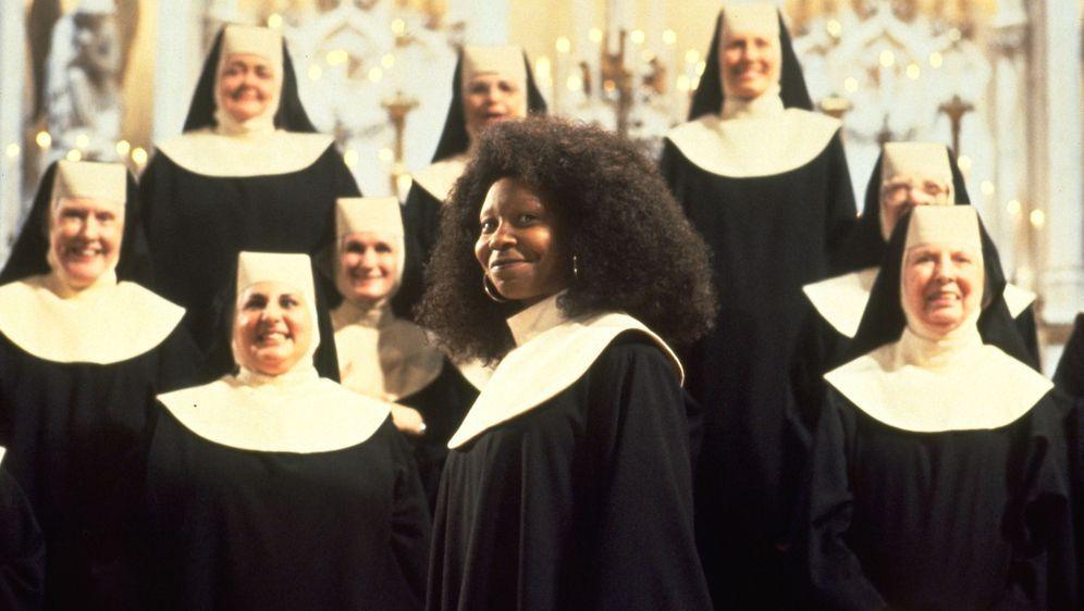 Sister Act - Eine himmlische Karriere - Bildquelle: Suzanne Hanover Touchstone Pictures & © Buena Vista Pictures. All Rights Reserved. / Suzanne Hanover