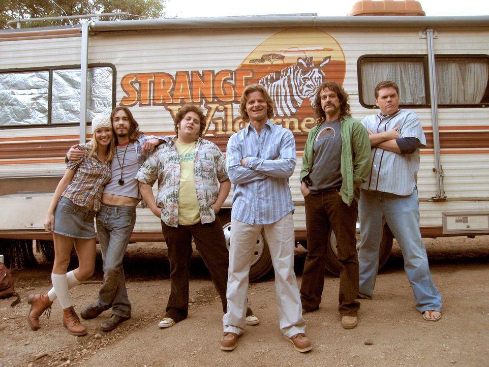 """Als die Einschaltquoten der Sendung """"Strange Wilderness"""" immer geringer ausfallen, muss sich die Crew (v.r.n.l.: Ashley Scott, Justin Long, Jonah Hi... - Bildquelle: Paramount Pictures"""
