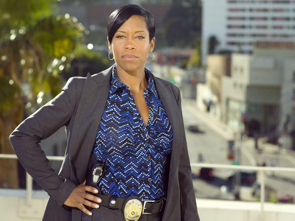 (1. Staffel) - Lydia Adams (Regina King) ist Detective des Morddezernats der Polizei von Los Angeles. - Bildquelle: Warner Brothers