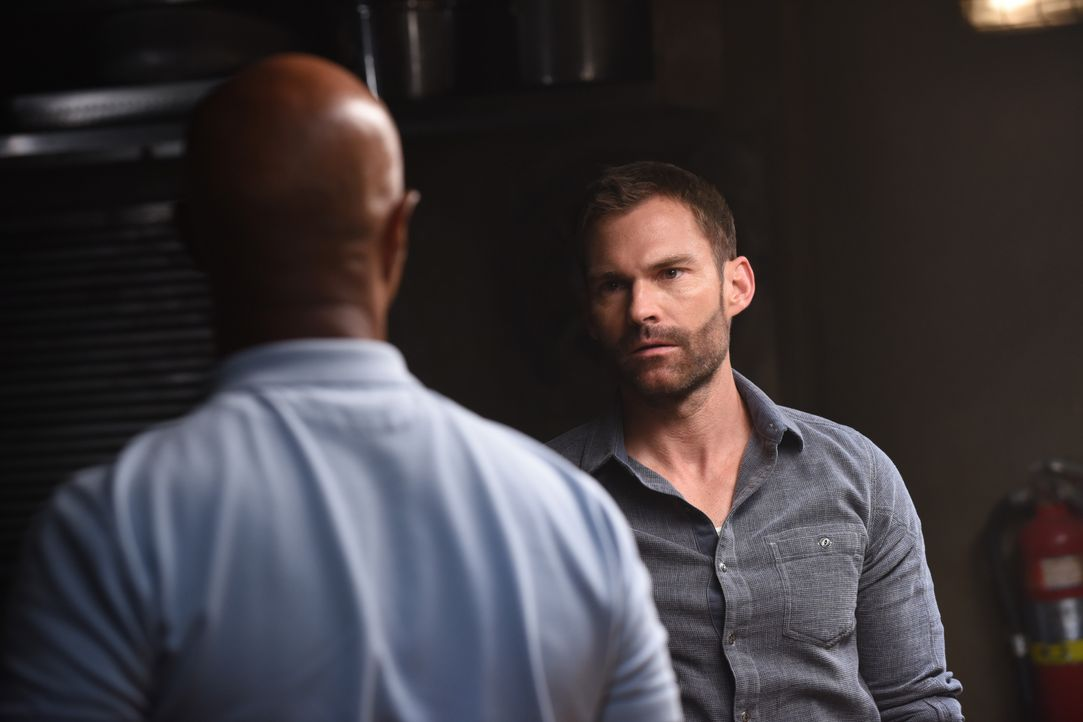 Roger Murtaugh (Damon Wayans, l.); Wesley Cole (Seann William Scott, r.) - Bildquelle: Ray Mickshaw 2018 Warner Bros. Entertainment Inc. All Rights Reserved. / Ray Mickshaw