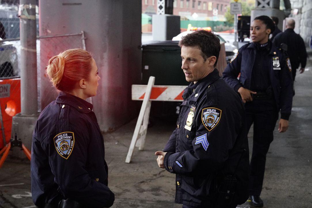Eddie Janko (Vanessa Ray, l.); Jamie Reagan (Will Estes, r.) - Bildquelle: John Paul Filo 2018 CBS Broadcasting, Inc. All Rights Reserved.