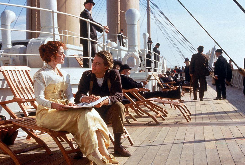 Die 17-jährige Rose DeWitt Bukater (Kate Winslet, l.) hält gar nichts von ihrem feinen Leben und will aus ihm ausbrechen. Der lebensfrohe Jack Daw... - Bildquelle: 20th Century Fox