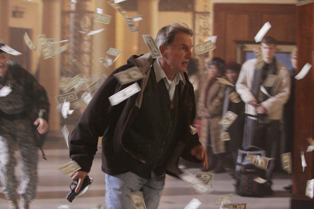 Versucht, Mamoun Sharif zu stellen: Gibbs (Mark Harmon) ... - Bildquelle: CBS Television