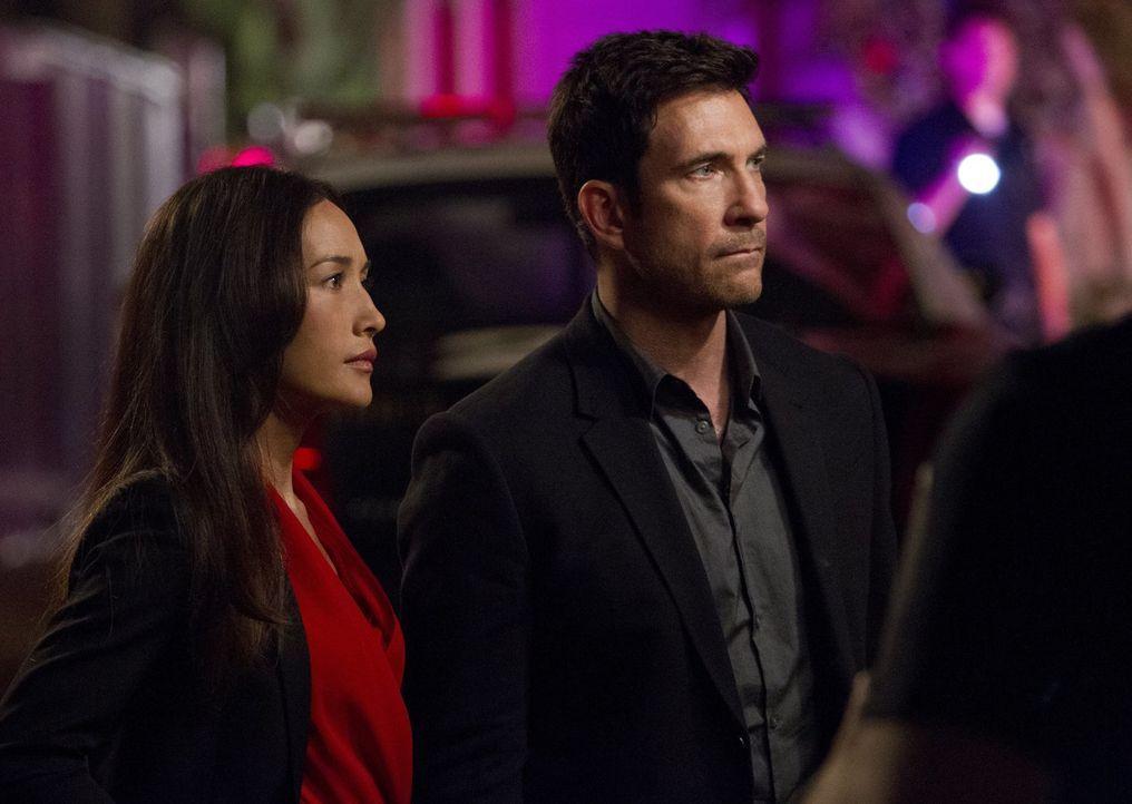 Ermitteln in einem neuen Fall: Beth Davis (Maggie Q, l.) und Jack Larsen (Dylan McDermott, r.) ... - Bildquelle: Warner Bros. Entertainment, Inc.