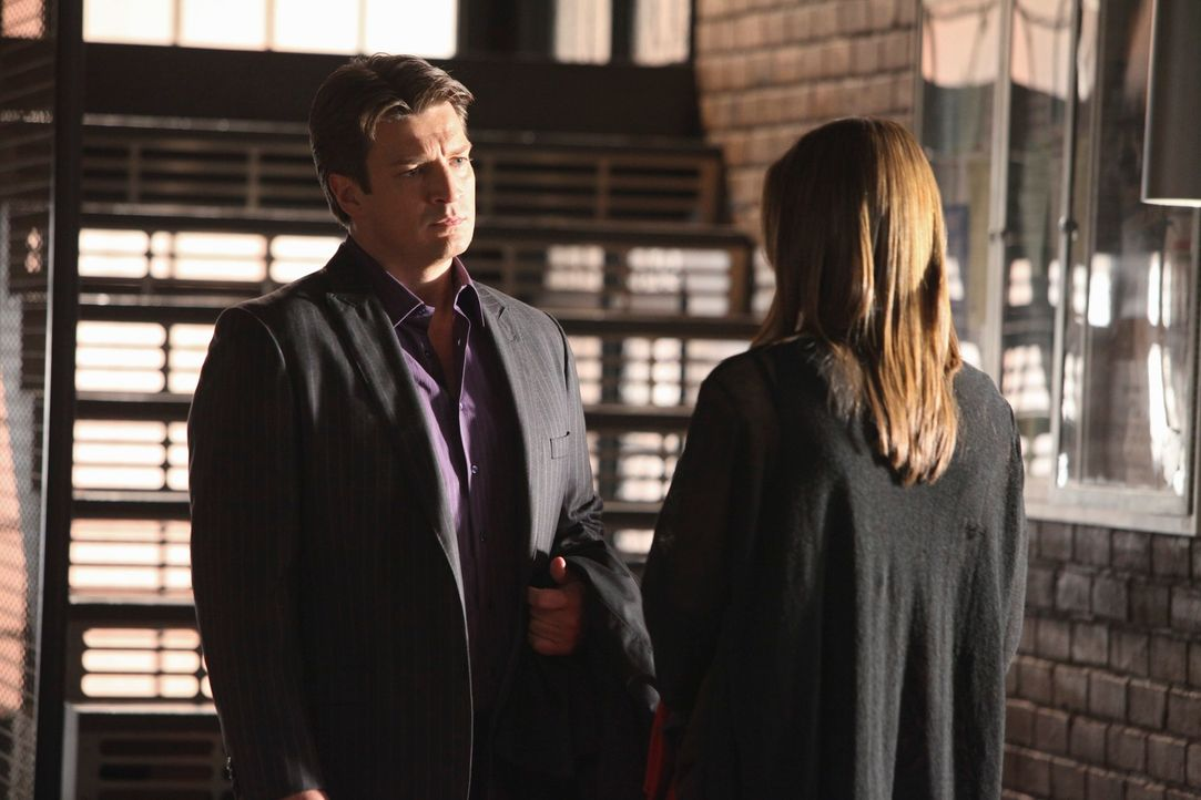 Der aktuelle Fall bereitet Richard Castle (Nathan Fillion, l.) und Kate Beckett (Stana Katic, r.) Kopfzerbrechen. - Bildquelle: 2010 American Broadcasting Companies, Inc. All rights reserved.