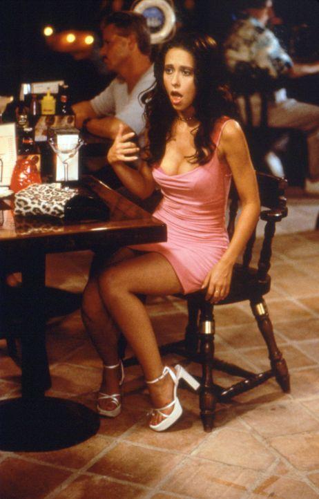 Page (Jennifer Love Hewitt) ist eine professionelle, hoch begabte Herzensbrecherin. Nachdem ihre Mutter Max einen reichen Mann geheiratet hat, verfü... - Bildquelle: Studiocanal