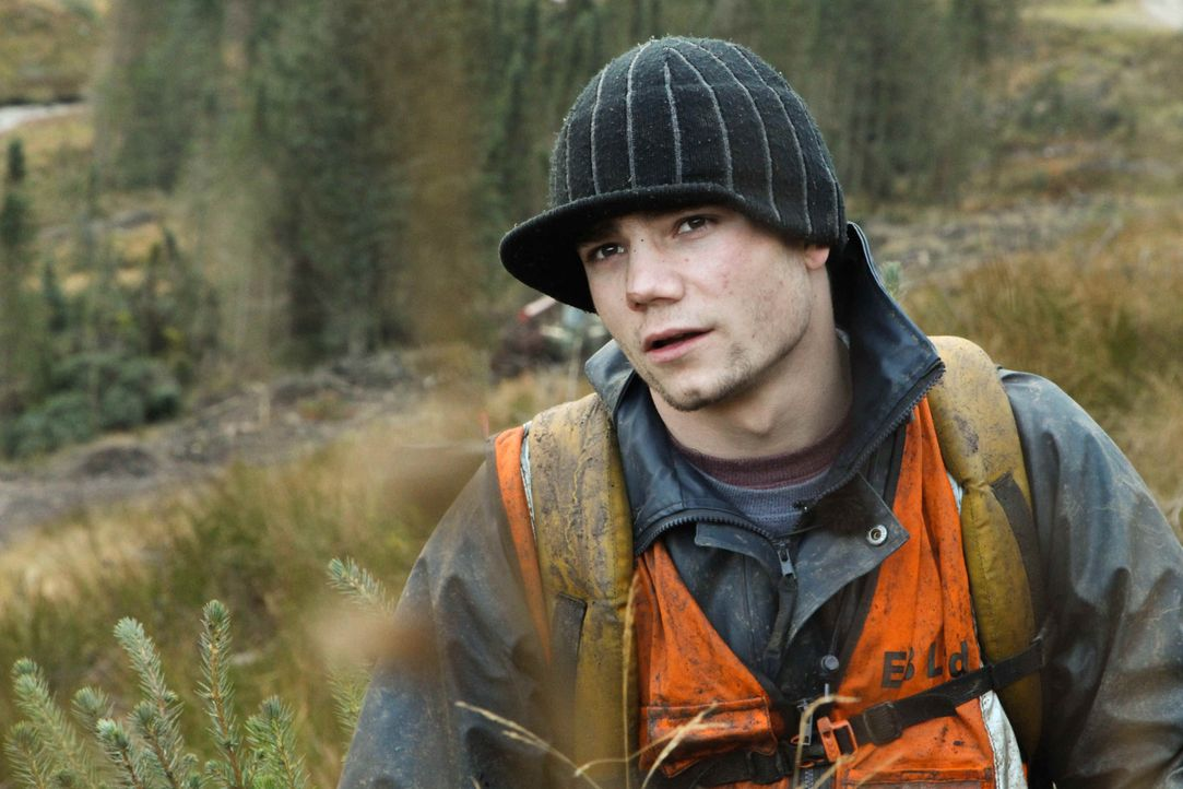 Der verschuldete Ex-Junkie Jeremy wünscht sich nichts sehnlicher als einen Neustart. In Schottland könnte er das nötige Geld dafür beim Bäume pflanz... - Bildquelle: kabel eins