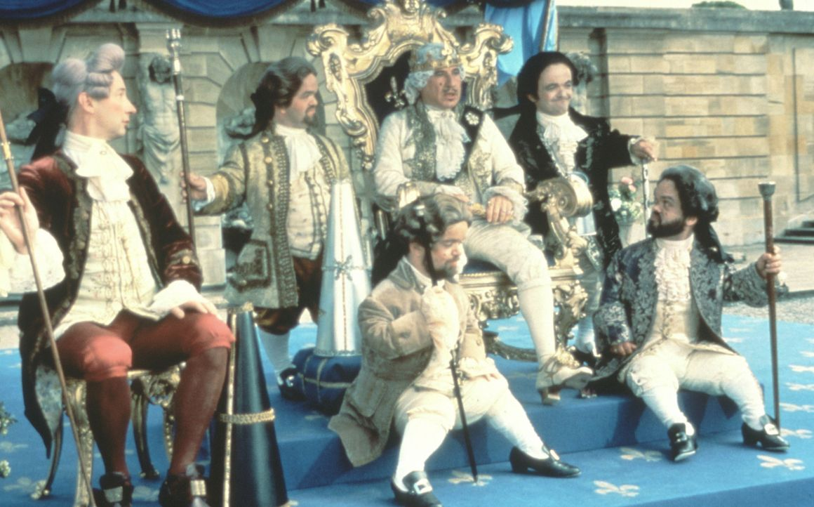 Für König Louis XVI (Mel Brooks, M.) hält so mancher den Kopf hin - meist unfreiwillig ... - Bildquelle: Brooksfilms Ltd.