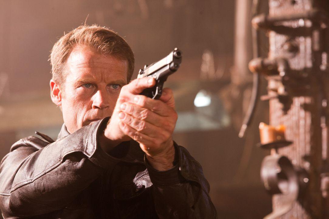 Wird Chance (Mark Valley) die Möglichkeit ergreifen und den Mörder seiner Geliebten töten? - Bildquelle: 2011  Warner Bros.
