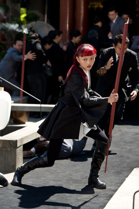 Als Yukio (Rila Fukushima) eine Vision vom baldigen Tod Logans hat, bricht sie sofort auf, um ihn zu warnen. Denn in dieser sah sie, wie Wolverine s... - Bildquelle: Ben Rothstein 2013 Twentieth Century Fox Film Corporation. All rights reserved.