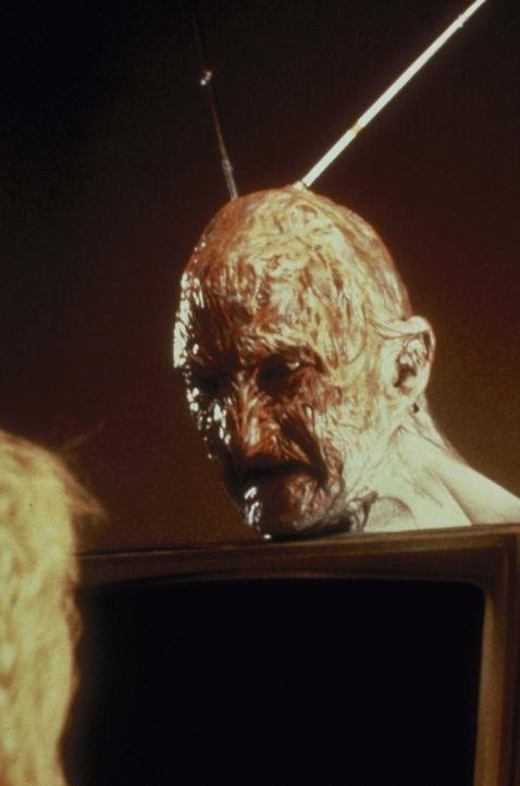 Freddy Krueger (Robert Englund), Herr über eine grauenhafte Alptraum-Welt ... - Bildquelle: New Line Cinema