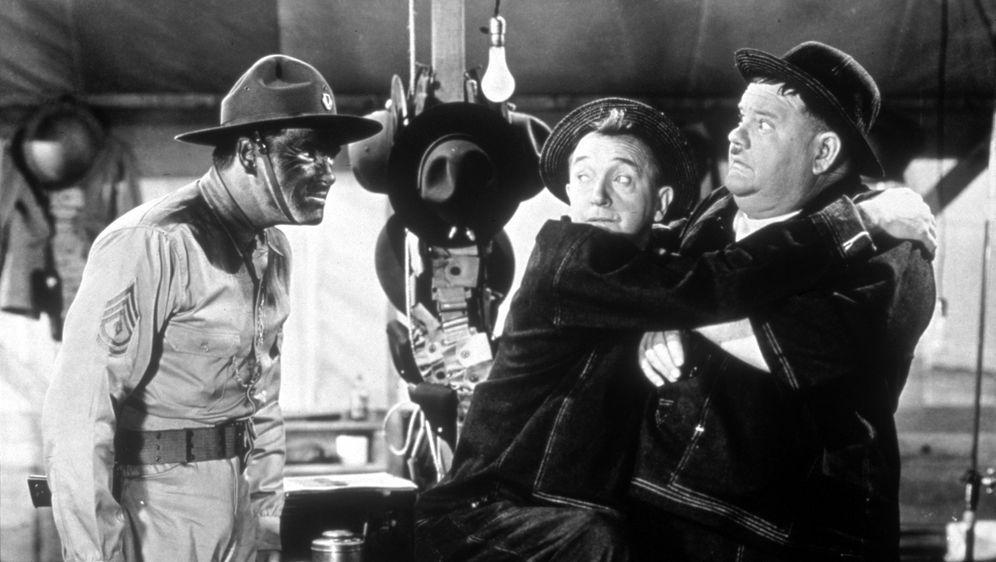 Dick und Doof - Große Kaliber - Bildquelle: 1941 Twentieth Century Fox Film Corporation.