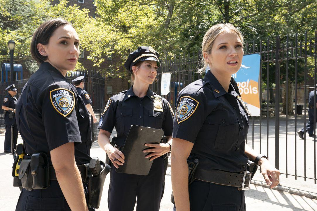 (v.l.n.r.) Officer Rachel Witten (Lauren Patten); Sergeant McNichols (Stephanie Kurtzuba); Eddie Janko (Vanessa Ray) - Bildquelle: Patrick Harbron 2019 CBS Broadcasting Inc. All Rights Reserved. / Patrick Harbron