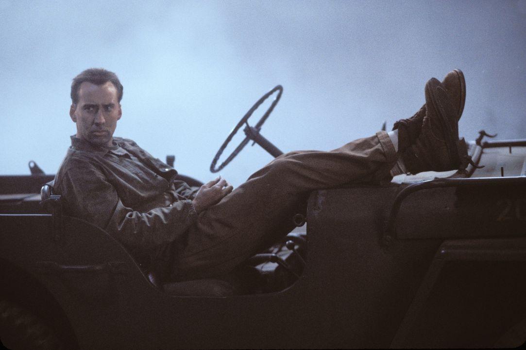 Der hochdekorierte US-Marine-General Joe Enders (Nicolas Cage) ist 1944 während der Schlacht um Saipan mit seiner Einheit im Pazifik stationiert. - Bildquelle: 2002 METRO-GOLDWYN-MAYER PICTURES INC.. All Rights Reserved