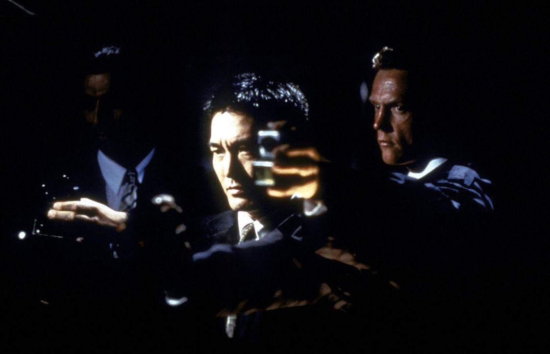 Cougar setzt geschickt seinen Kumpan (Ken Lo) ein ... - Bildquelle: New Line Cinema