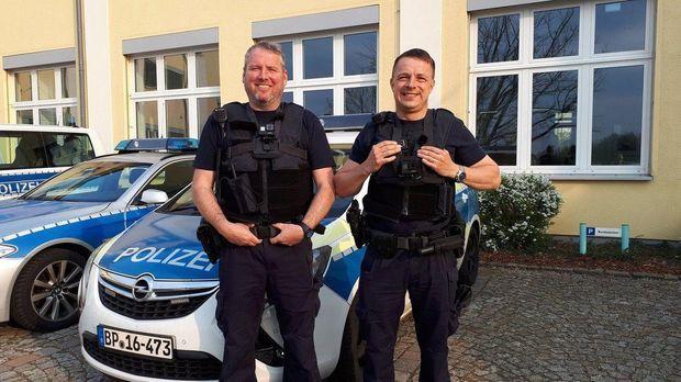 Mein Revier - Mein Revier - Kontrolle Und Auseinandersetzung - Der Alltag Der Bundespolizisten