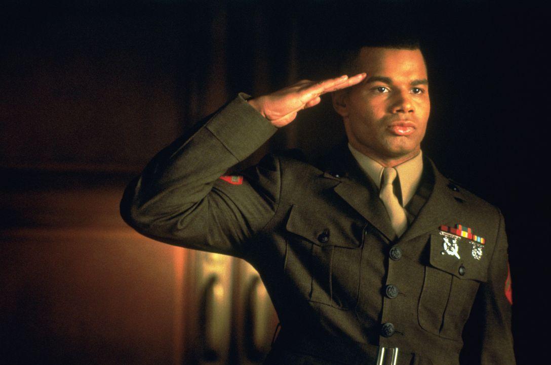 """Auf einem amerikanischen Marinestützpunkt auf Kuba stirbt ein Gefreiter, nachdem zwei Kameraden bei ihm den so genannten """"Code Red"""" angewendet habe... - Bildquelle: Columbia Pictures"""