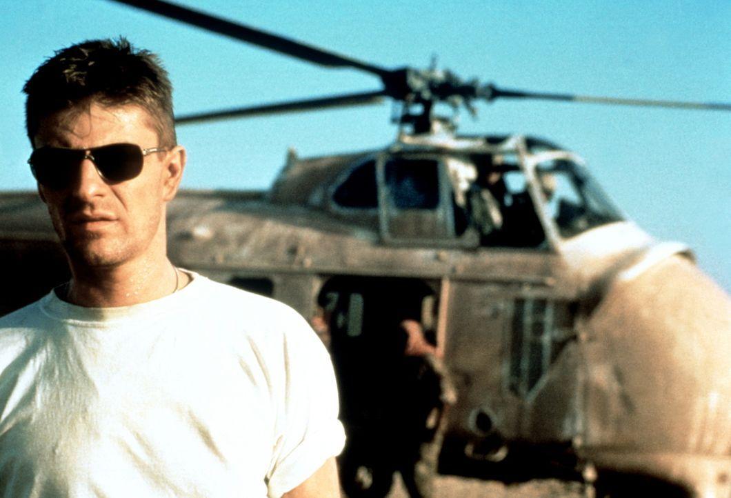 Terrorist Sean Miller (Sean Bean) in den Fängen seiner Widersacher ... - Bildquelle: Paramount Pictures